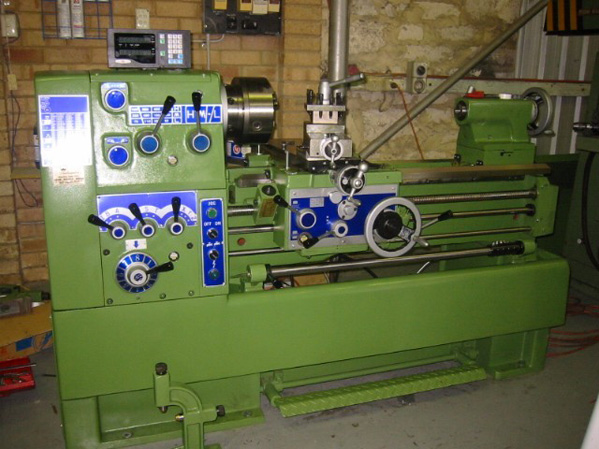 The LA range of quality center lathes
